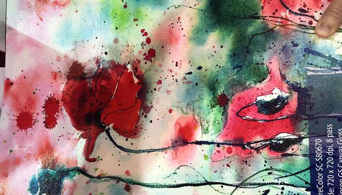 In uv cuộn trên chất liệu vải canvas