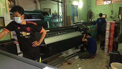 Máy in hiflex đòi hỏi nhân viên phải có kinh nghiệm về in ấn và vận hành