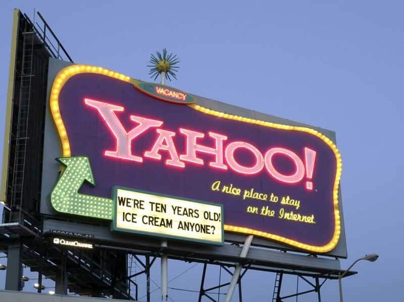 Bảng hiệu quảng cáo là nơi tôn vinh thương hiệu ngay trụ sở của bạn