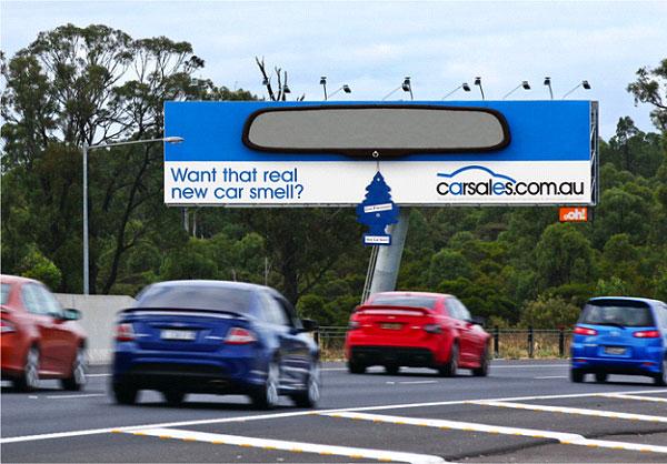 Bảng hiệu mùi xe mới - Nguồn ảnh: Oohmedia