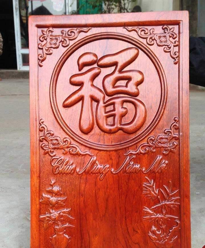 Lịch gỗ treo tường năm mới làm bằng máy CNC cao cấp
