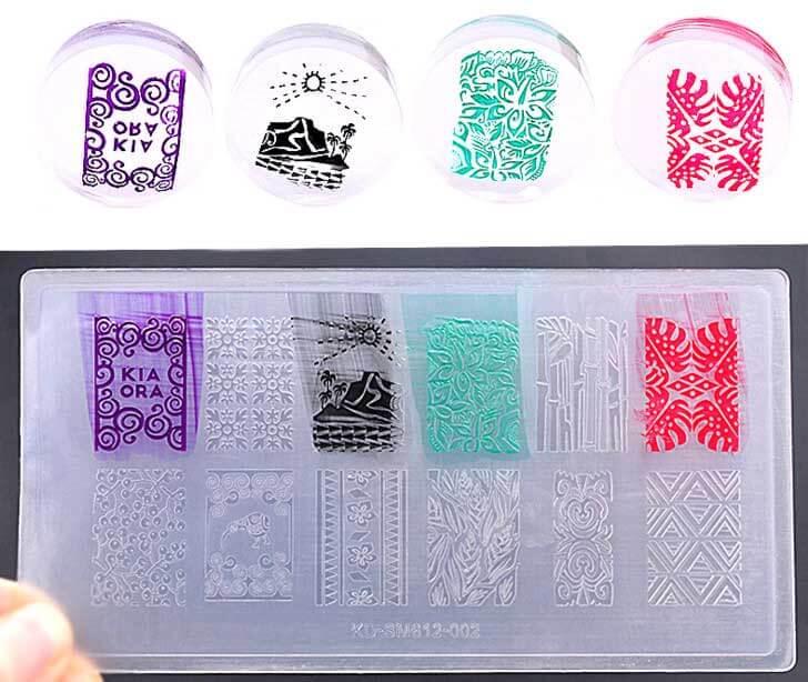 In mica in được rất nhiều màu khác nhau và độ bền rất lâu (trên là mẫu in test mica)