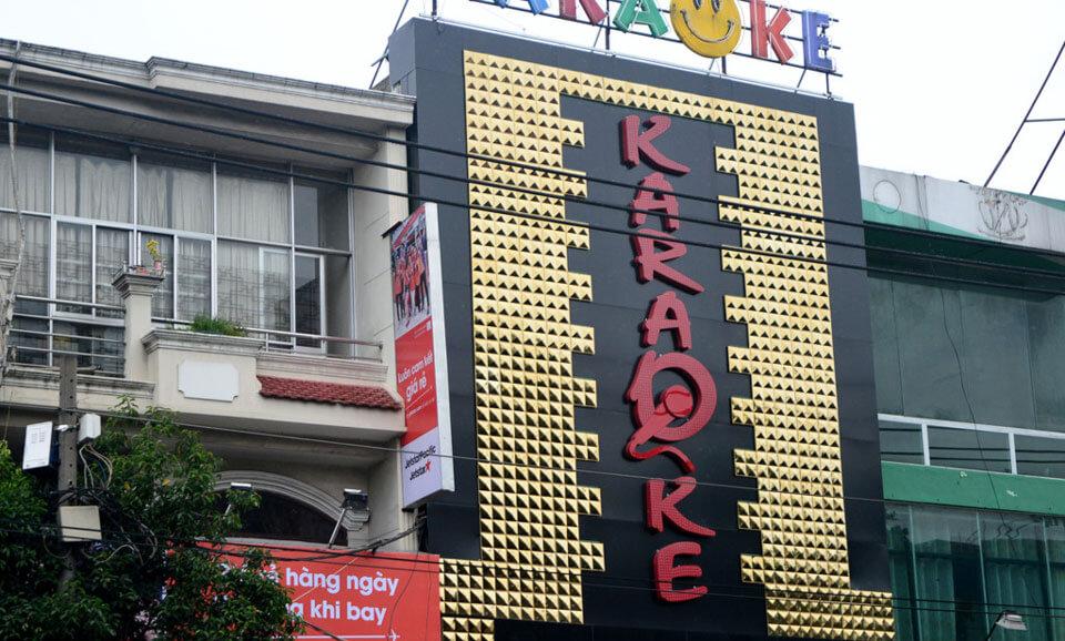 Bảng hiệu karaoke đẹp ốp mica đèn led - Mẫu 2
